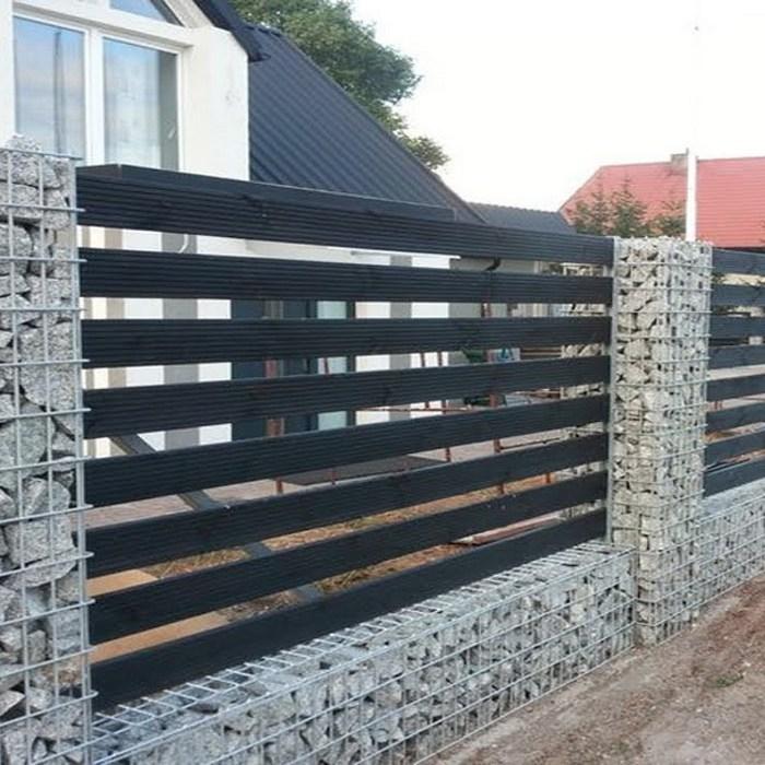 Забор из габионов с пазами для дерева